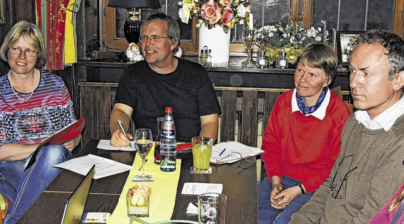 Edith Lienhard, Michael Blaurock, Kirs...ungen zu Elektroautos. Rainer Bombardi  | Foto: Rainer Bombardi
