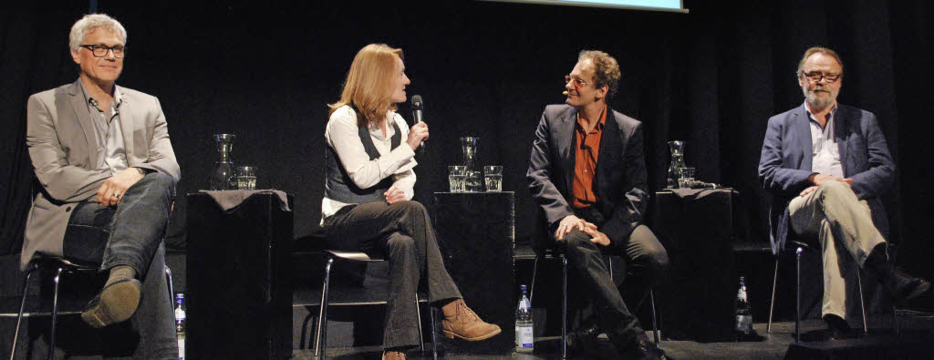 Markus Muffler, Charlotte Geiger, Chin...rkraum Schöpflin über die Finanzwelt.   | Foto: Mink