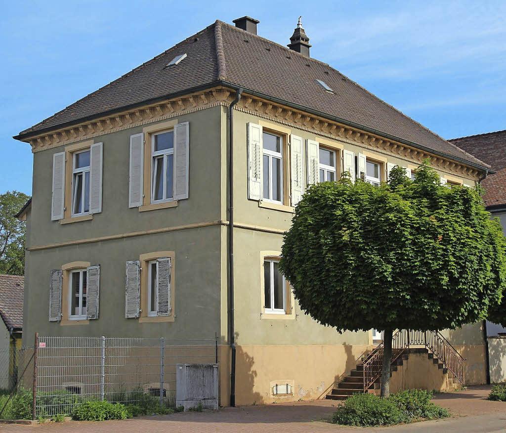 altes pfarrhaus wird verkauft ehrenkirchen badische zeitung. Black Bedroom Furniture Sets. Home Design Ideas