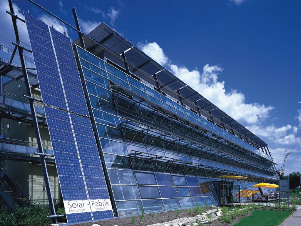 solar fabrik k ndigt in freiburg 65 mitarbeitern freiburg badische zeitung. Black Bedroom Furniture Sets. Home Design Ideas