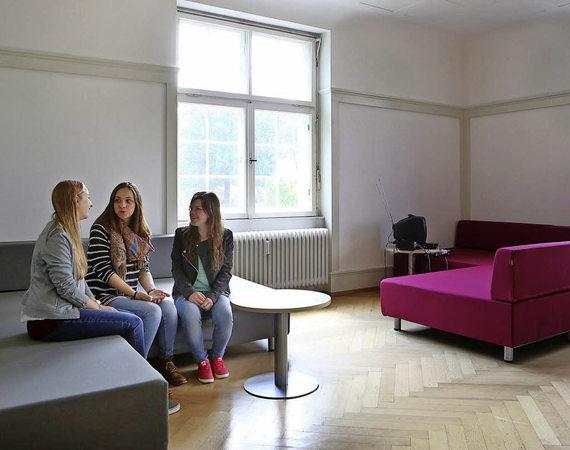 lahr r ume zum lernen reden und entspannen badische. Black Bedroom Furniture Sets. Home Design Ideas
