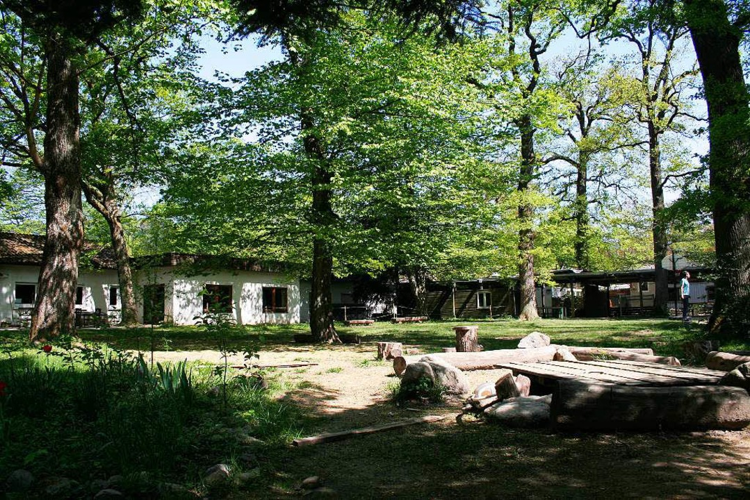 Entspannen im Grünen:  Auch der Unterricht findet oft im Garten statt.  | Foto: Bernd Eberhart
