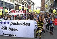 Demonstration gegen die Macht von Monsanto und Syngenta