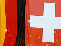 Kritik: Schweiz nennt Namen möglicher Steuerbetrüger