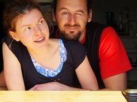 Junges Paar belebt Gummenh�tte am Kandel neu