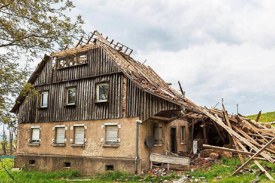Völlig zerstört hat das Unwetter am 13. Mai einen Bauernhof beim Blumberger Ortsteil Fützen. Glücklicherweise war der Hof nicht bewohnt. (Foto: Carlotta Huber)