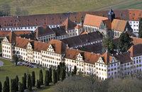 Im Schloss – aber wenig königlich