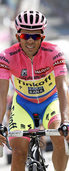Contador rettet sich ins Ziel