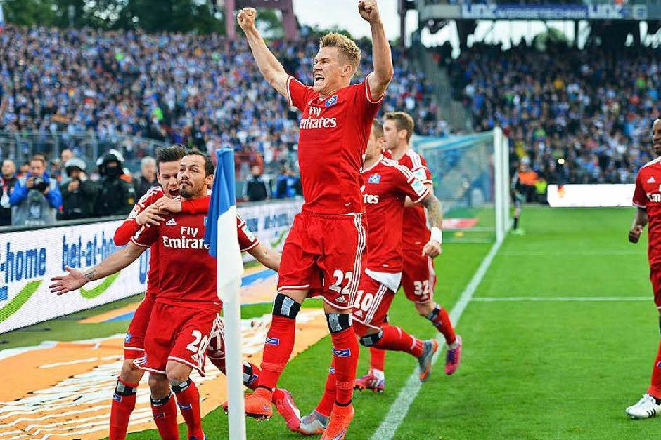 Der Hamburger SV wendet gegen den Karlsruher SC den Abstieg in die 2. Liga ab. (Foto: dpa)