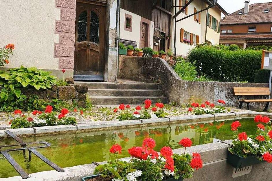 Der obere Dorfbrunnen (Foto: Robert Bergmann)