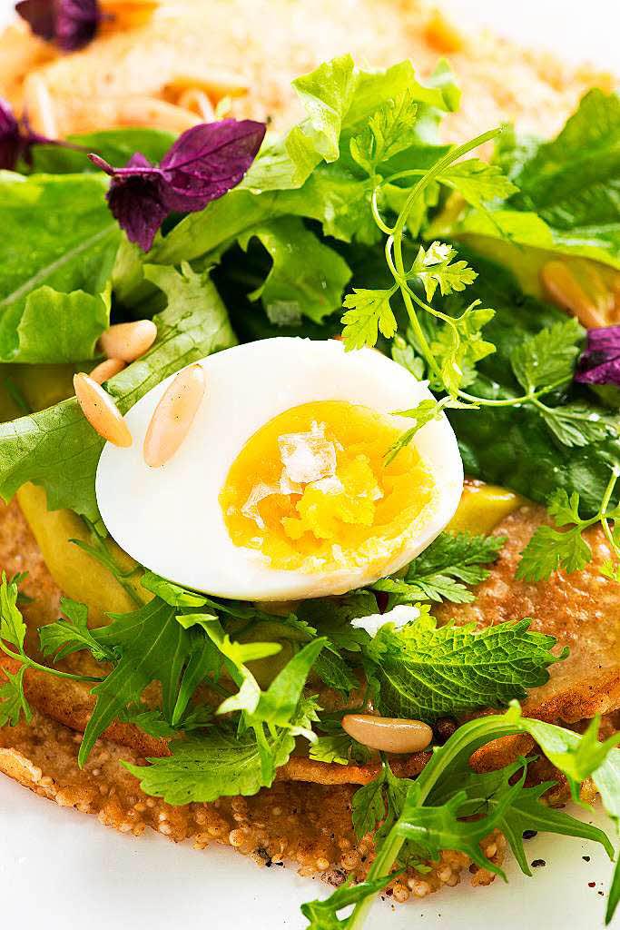 gastronomie rezept tipp sommerfreuden salat auf quinoa pfannkuchen badische. Black Bedroom Furniture Sets. Home Design Ideas
