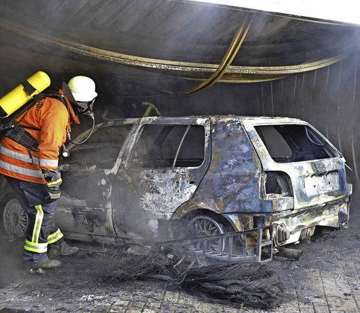 Garage Laufen: Bonndorf: Garage Steht In Flammen