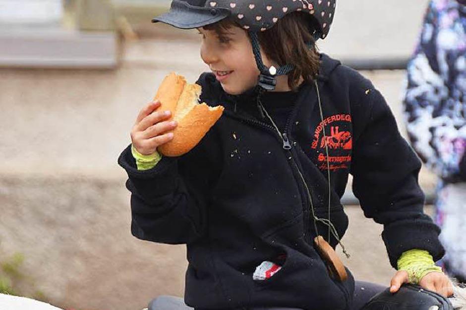 Das Eulogi-Brot schmeckt. (Foto: Ralf Morys)