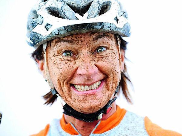 Glücklich und schmutzig: Diese Menschen haben den Black Forest Ultra Bike Marathon durchgestanden.