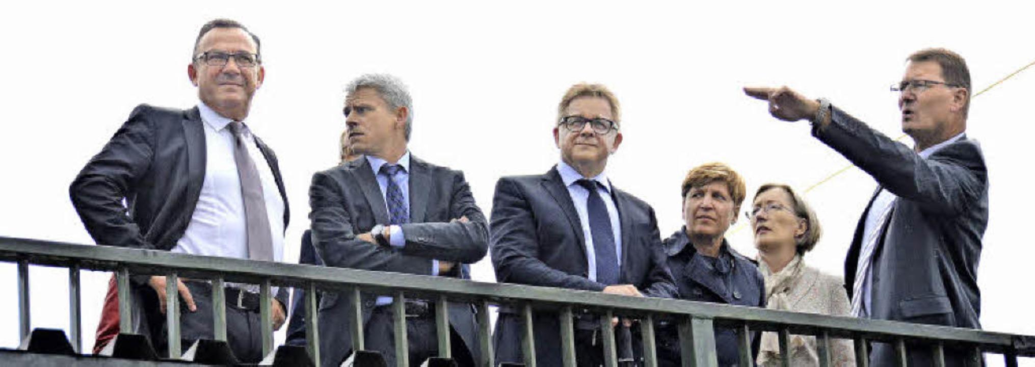 Wer hat noch den Überblick? Auggens Bü...ahnhof die Situation der Rheintalbahn.  | Foto: Alexander  Huber