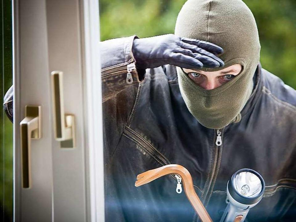 Wenn ein Mann in ein Haus einbricht &#... dann eine Rolle, welchen Pass er hat?  | Foto: fotolia.com/bilderbox