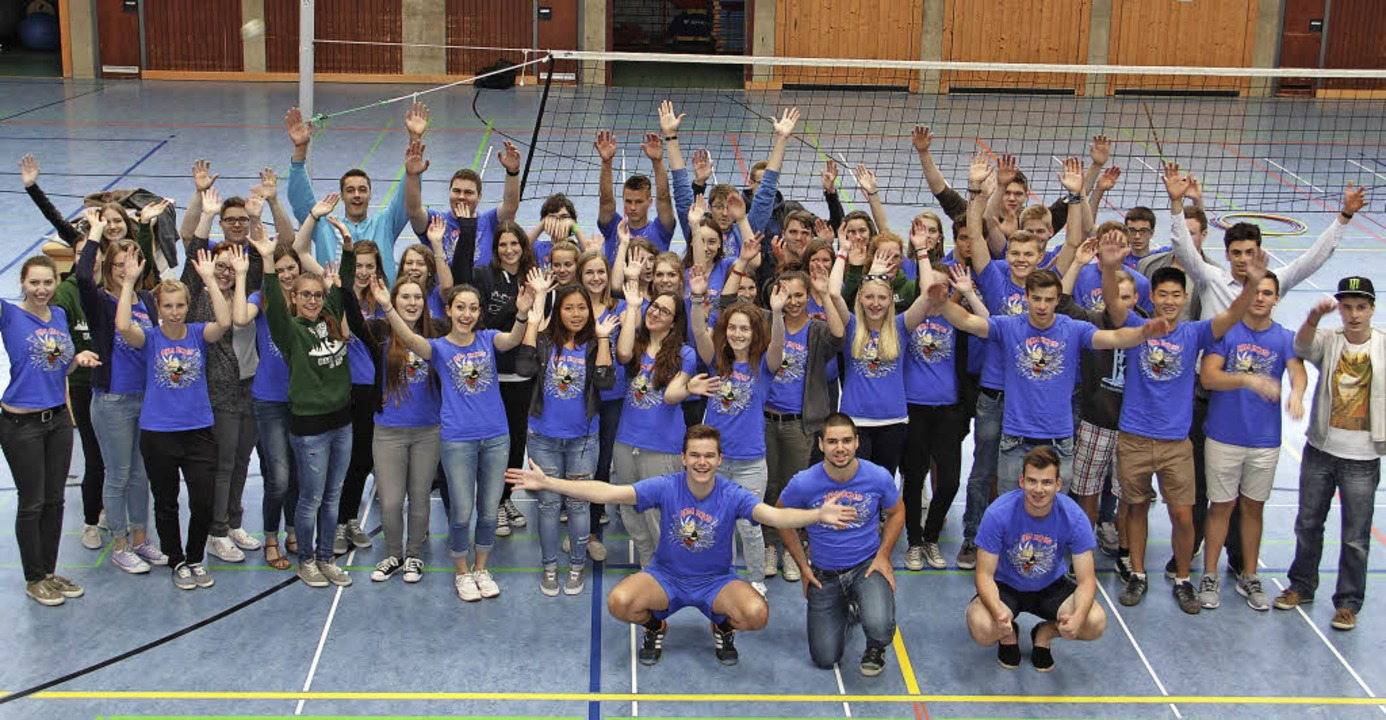 Lassen das Volleyballnetz in der Sport... sich am Mittwoch zum Gruppenbild auf.  | Foto: ZVG