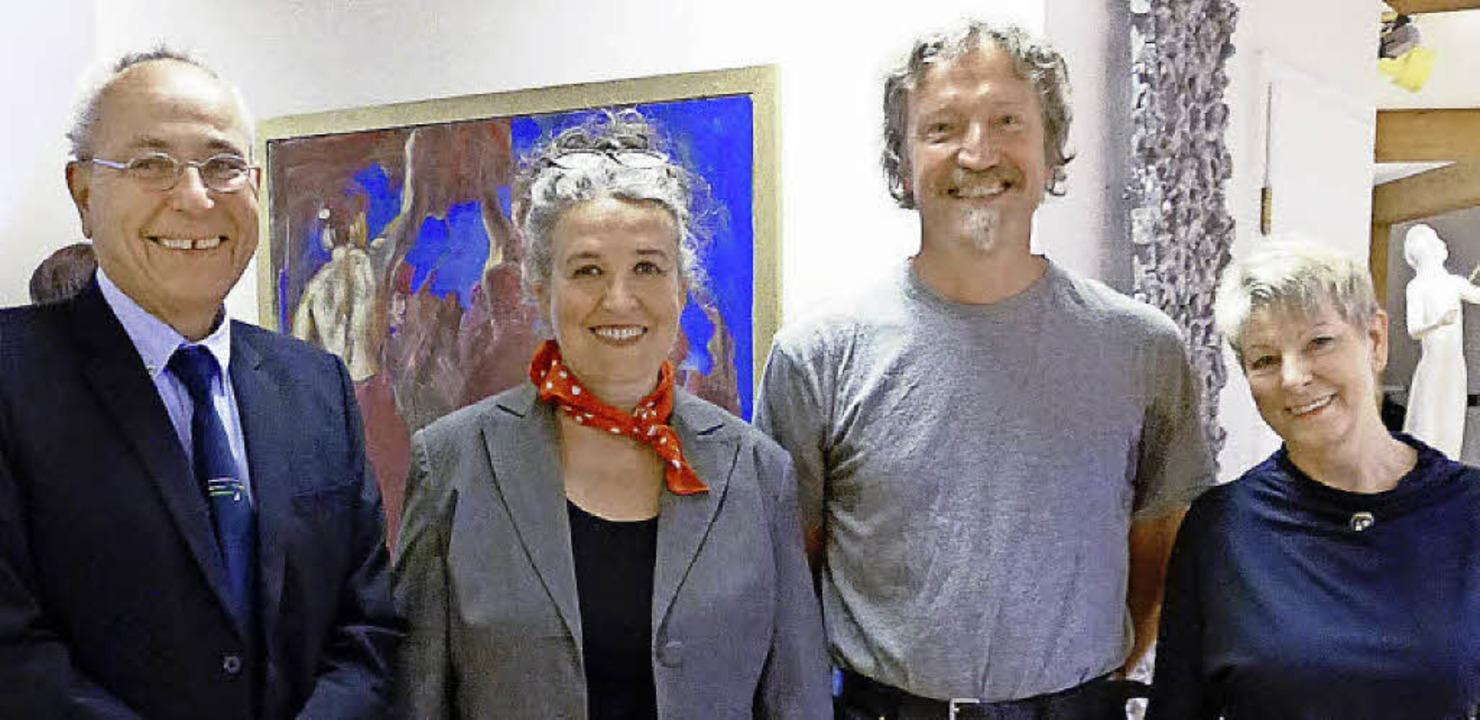 Bernd Behnke, Susanne Hille, Bernhard ....l.) bei der Vernissage in Löffingen.   | Foto: Karla Scherer