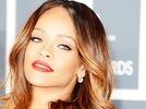 Rihanna verst�rt mit blutigem Video