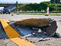 Hitze f�hrt zu kaputten Bel�gen und Tempolimit auf Autobahnen