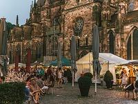 Freiburger Weinfest lockt Besucher trotz Rekordhitze