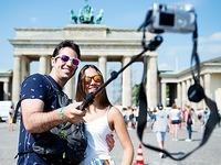 Risikofaktor Selfie-Stick: Auch im Europa-Park sind sie tabu