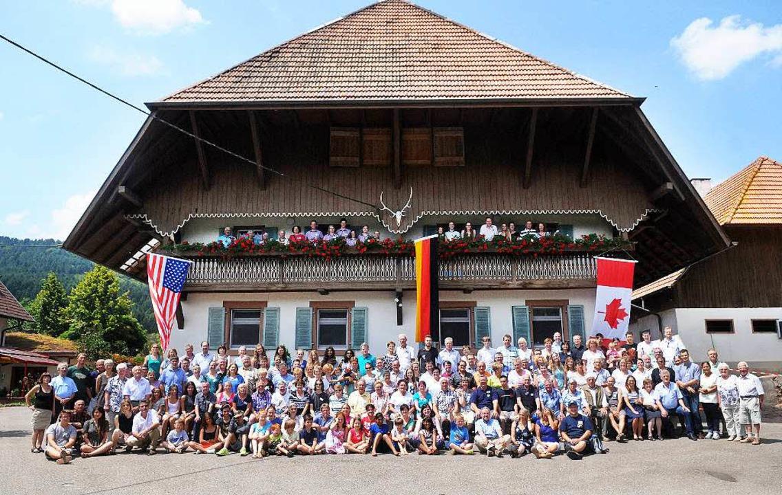 Die Teilnehmer am Müllerleile-Treffen auf dem Kasperhof.     Foto: wolfgang künstle