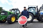 Fotos: Franz�sische Bauern errichten an Deutschen Grenzen Barrikaden