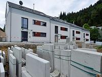 Stadtbau bleibt auf neuen H�usern in G�nterstal sitzen