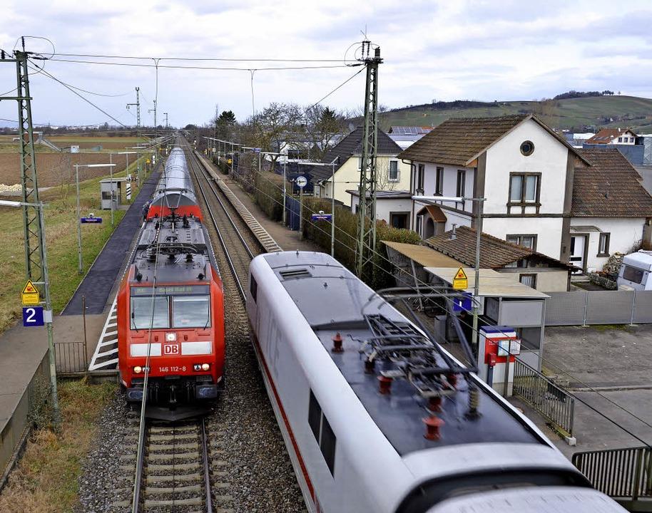 Umstritten: der künftige Bahnverkehr an Auggen vorbei   | Foto: Sigrid Umiger