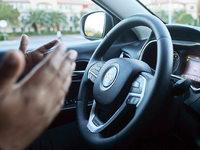 H�nde weg vom Steuer: Computer �bernehmen das Auto