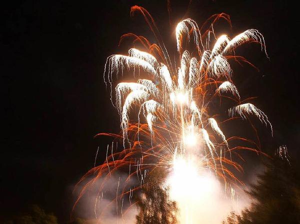 Ein Feuerwerk schloss das Lichterfest in Lenzkirch ab.