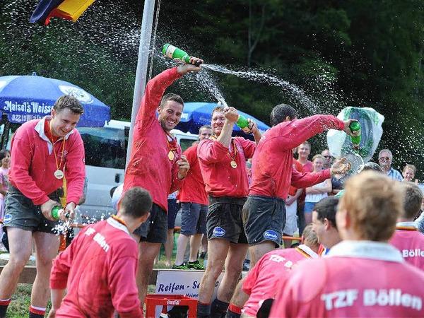 Eine deutsche Meisterschaft muss kräftig gefeiert werden.