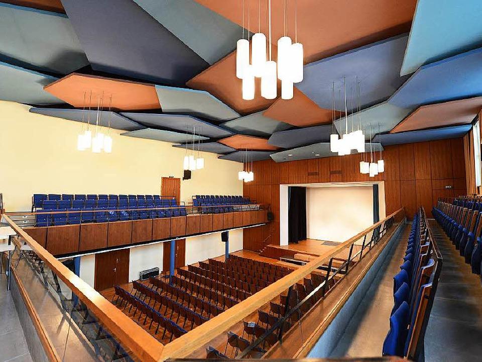 In die Jahre gekommen: der Paulussaal,...entliche Veranstaltungen genutzt wird.    Foto: Rita Eggstein