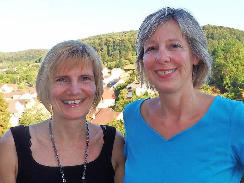Corinna Hupfer und Anette Ritter-Schreitmüller (von links) vom Mäuslehäusle    Foto: Johanna Hoegg