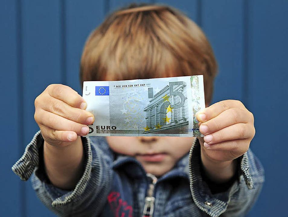 wofür geben jugendliche am meisten geld aus