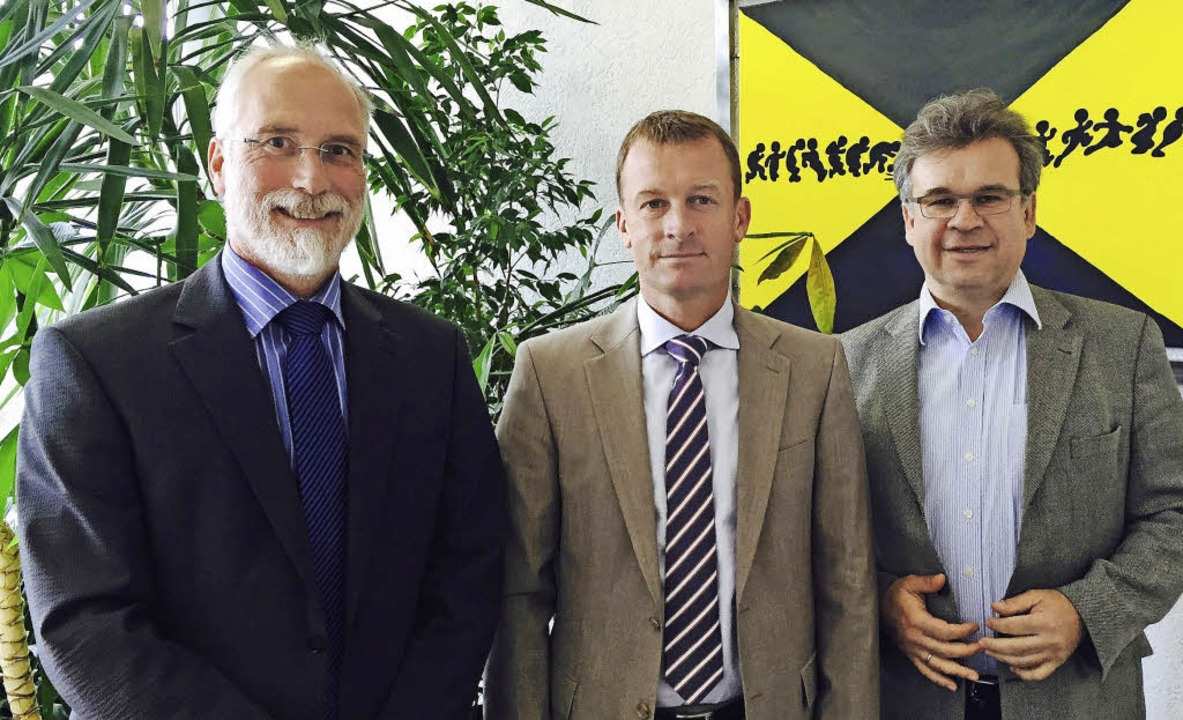 Ralf Dierenbach, Rektor der Schopfheim...) im Gespräch mit Ulrich Lusche (MdL)   | Foto: ZVG