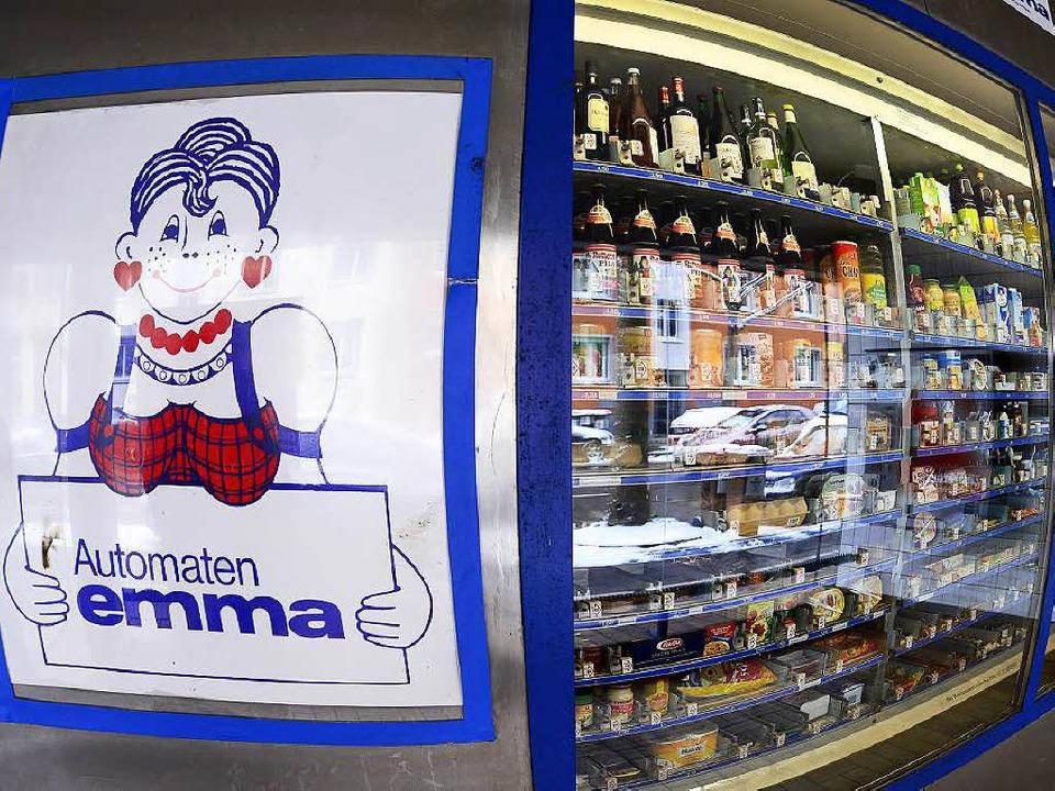 Die Automaten-Emma – der Kultlad... nachts bald kein Bier mehr verkaufen.  | Foto: Ingo Schneider