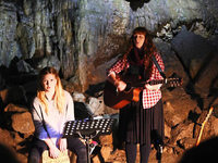 Besondere Atmosphäre in der Höhle