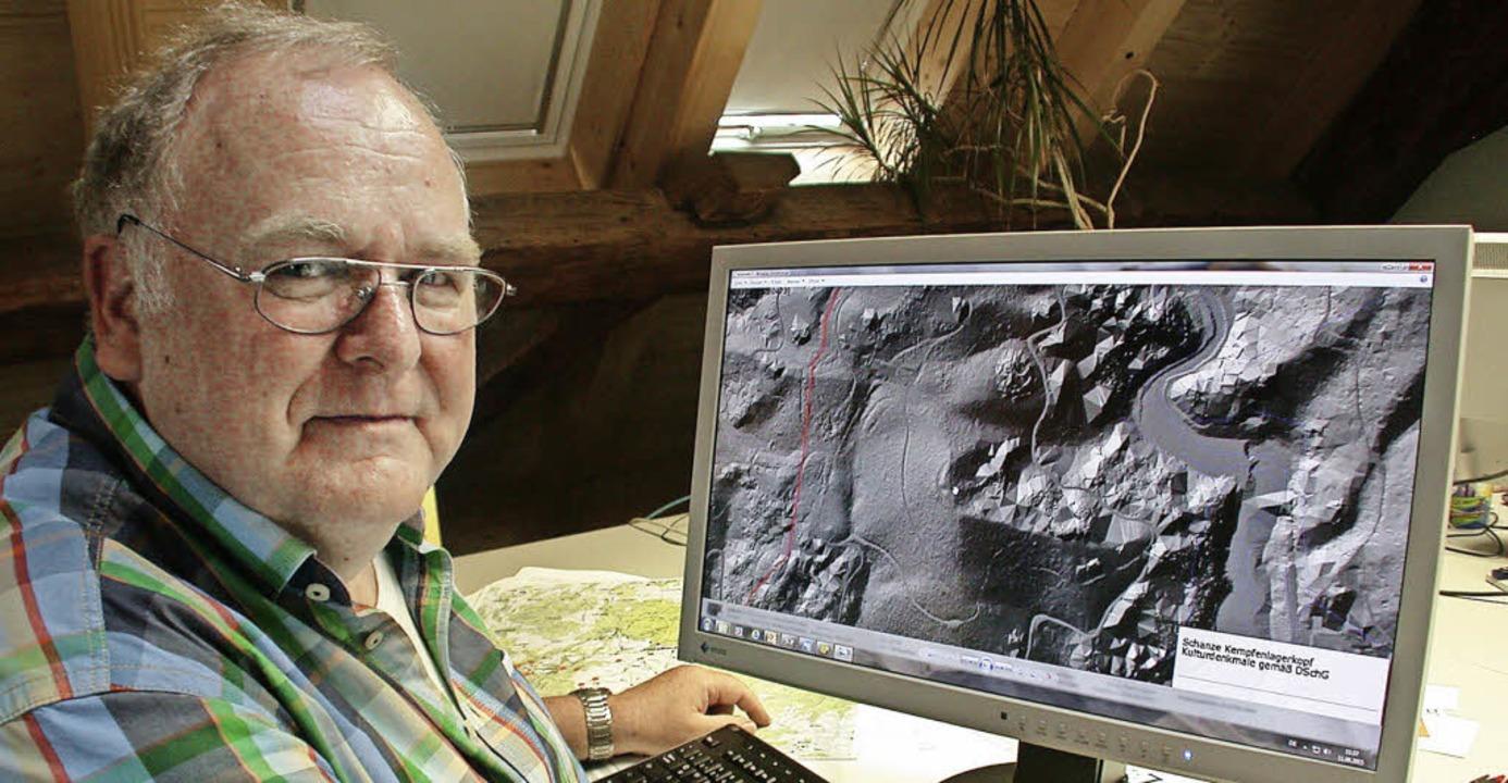Er hat den Laserblick: Werner Störk vo...t ein Gebiet zwischen Wehr und Hasel.   | Foto: Hönig, Meyer, Störk, Landesvermessungsamt