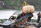 Fotos: Bergung des Polizeiautos aus dem Rhein