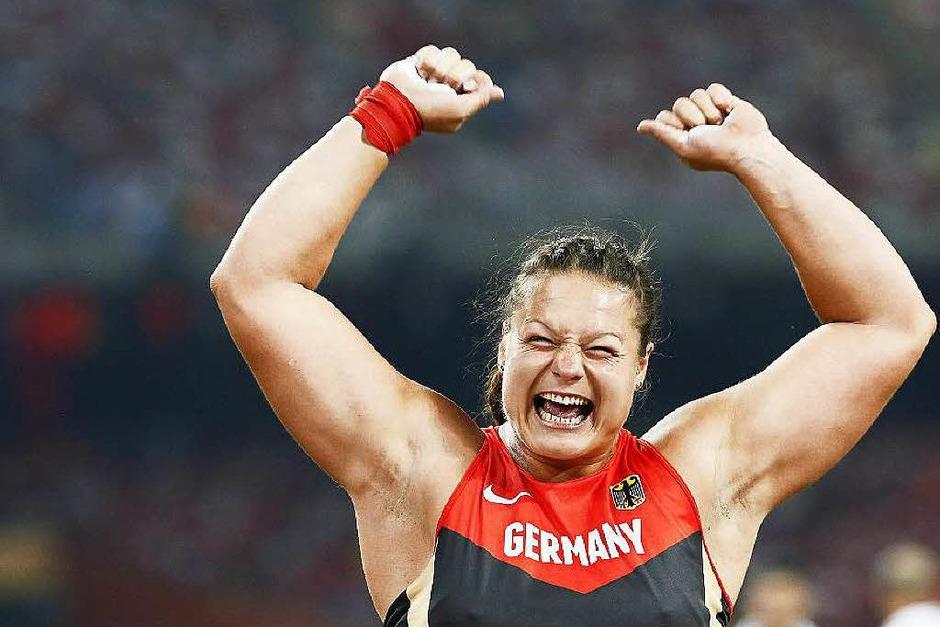 Sie ist ihrer Favoritenrolle gerecht geworden: Kugelstoßerin Christina Schwanitz aus Frankenberg in Sachsen gewinnt Gold im Kugelstoßen der Frauen. (Foto: dpa)