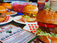 Rothaus l�dt zum Food-Truck-Festival