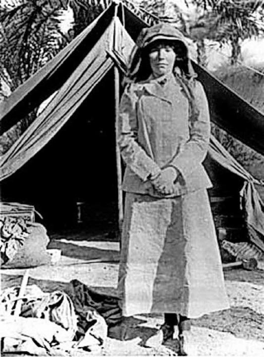 Bell vor ihrem Zelt  im Irak (1909)   | Foto: Gertrude-Bell-Archive