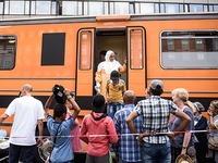 Fl�chtlingsz�ge bringen 3000 Menschen nach Deutschland