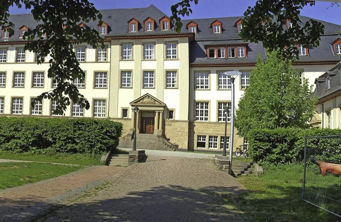 Eine gute Adresse fürs Essen in der Mensa: das Clara-Schumann-Gymnasium   | Foto: Schule