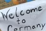 Fotos: Fl�chtlinge beziehen die neue Erstaufnahmestelle in Freiburg