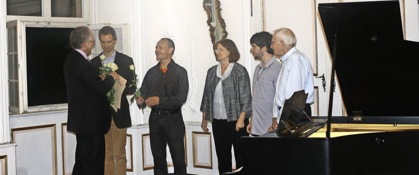 Kursleiter William Cuthbertson gratuli...i, Mirko Rechnitzer und Hans Branger.   | Foto: Hildegard Karig