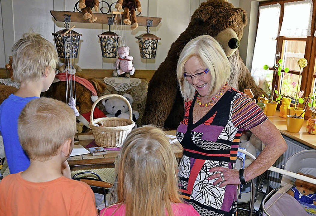 Weiß viele Geschichten zu erzählen: Carola Sutter  | Foto: Anita Fertl