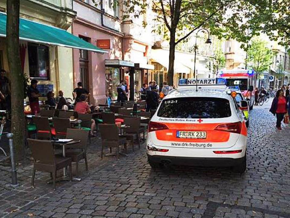 Polizeieinsatz in der Gartenstraße  am...ftochter in einem Geschäft erschossen.  | Foto: Adrian Hoffmann